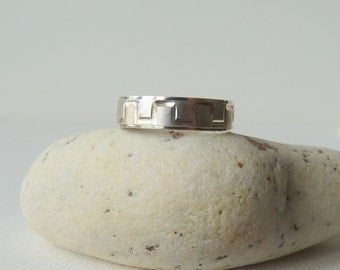 Sterling Silver Band Ring Diamond Cut Silver Band Size 8 1/2 Ring, Silver Unisex Band, 925 Jewelry, Simple Retro Band Ring, MINT Men Band