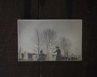 Original 1914 Antique Graveyard Ladies Photo