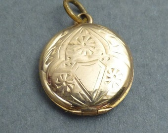 10K gold locket