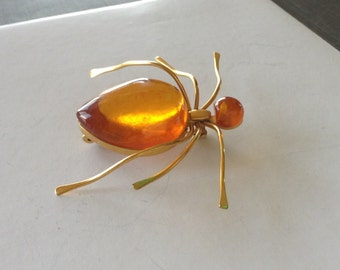 Vintage Baltic Amber and Gold Tone Spider Brooch Pin