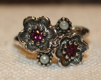 Vintage AVON Silver Tone Ring-2 Petals-Red Rhinestone-2 Pearls-Size 6