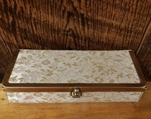Vintage Brocade Box Ivory Gold Kiss Clasp Cosmetic Case Toiletry Travel Luggage Hard Frame Bag Makeup Train Vanity Evening Formal Clutch