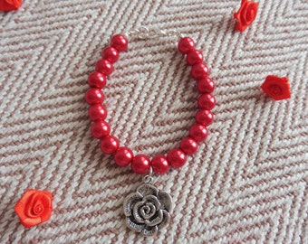 Red Bead & Silver Tone Rose Charm Bracelet. Red beaded valentines bracelet. Red Rose wedding jewellery. Red bracelet. Red rose jewellery.