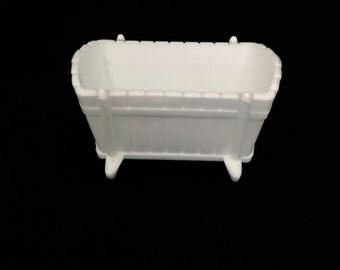 Milk Glass Novelty Piece                          VG2014