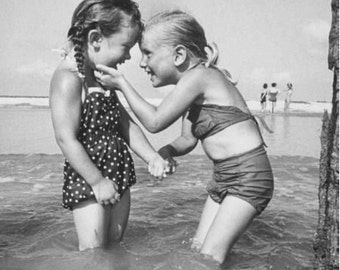 "RETRO / VINTAGE PRINT;  retro, vintage photography - ""Best Friends"" ; any occasion"