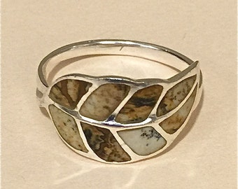 Sterling silver Ring with a Leaf Design, size 7 1/2 or 8