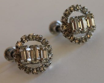 Weiss Silver Tone Screw Back Clip On Vintage Bagette Rhinestone Earrings