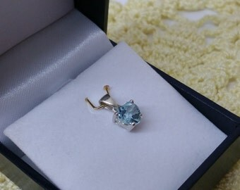 Pendant 925 Silver with Crystal light blue SK887