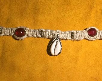 Shell Pendant Hemp Necklace