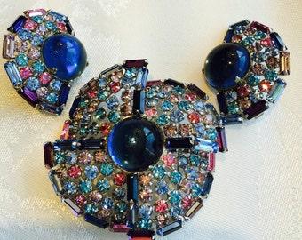 Vintage Rhinestone Brooch Clip Earrings demi parure Blue, Dark Blue,  Pink Multi-layered Pin