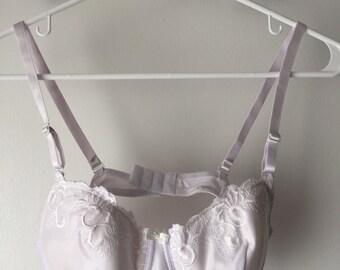 Vintage white embroidered hermosa bra 34C