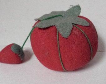 Tomatoe Pin Cushion, Vintage Tomatoe Pin Cushion
