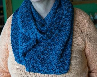 Infinity Scarf, blue, crochet