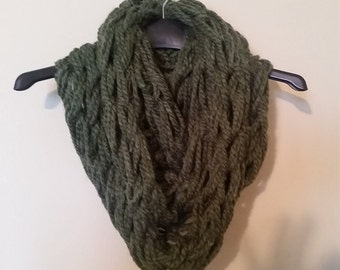 Green Chunky Knit Infinite Scarf
