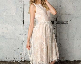 Sleeveless delicate lace dress with blush color, Edith