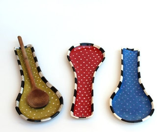 Polka Dots Spoon Rest hand Painted, Spoon Holder,Ceramic Spoon Rest, Ready to ship