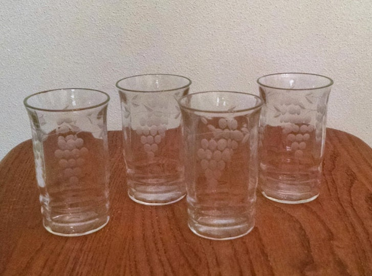 Vintage Juice Glasses With Etched Grape Design Set Of 4