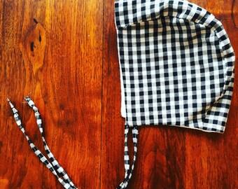 Bonnet - black/white gingham