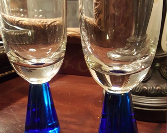 Unique Vintage Hand Blown Italian Glass Wine or Water Goblets
