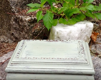 Chalk Painted Shabby Chic Vintage Jewelry Box