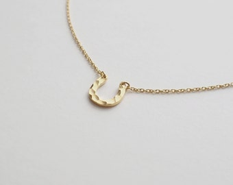 Dainty Horseshoe Necklace, Minimalist Necklace, Simple Layering Necklace in Sterling Silver D64
