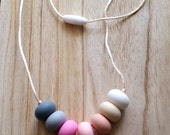 Silicone Teething Necklace - Teething Necklace for mom - Neutral Teething Necklace - Teething toy - Canada - Abacus beads - Chewlery