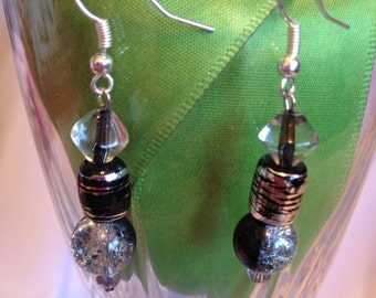 Dangle earrings Silver and black Glass Beads