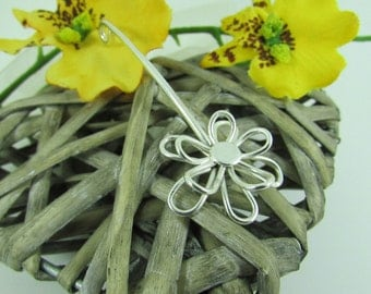 Silver Handmade Daisy Pendant