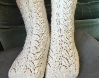 Climbing Ivy Socks (Pattern)