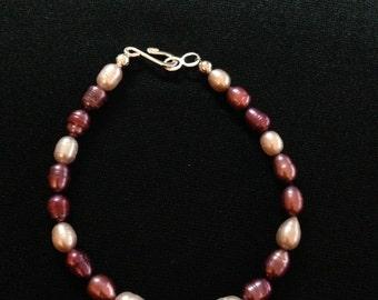 three colored pearl bracelet
