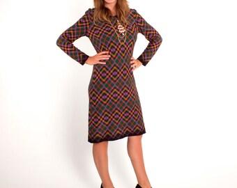 1960s Vintage Plaid Mod Knee Length Long Sleeve Knit Dress