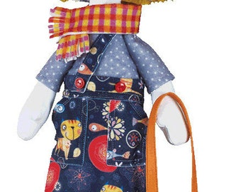 Helper (Doll sewing kit)