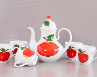 Tea Set SELTMANN WEIDEN, PATRICIA Apple Pattern. Porcelain Tea pot with cups.