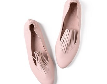 Fringe shoes, Pink flats, Pink leather shoes, Fringe, Leather shoes, Handmade shoes, Flat shoes, Party shoes, Ballet flats, Pink shoes, Pink