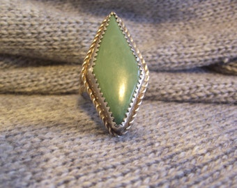 Pale Green Agate Sterling Silver Ring SZ 7 1/2