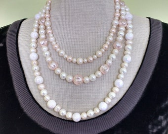 Glamourous Pearl Necklaces