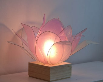 Lotus Flower lamp to brighten the spirit