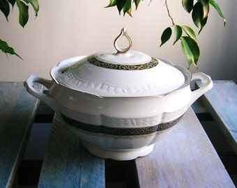 Soup tureen in German porcelain, Bavaria, SCHERZER, art and collection, vintage tureen