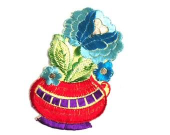 Applique, flower basket applique, 1930s vintage embroidered applique. Vintage floral patch, sewing supply. #641G86K16