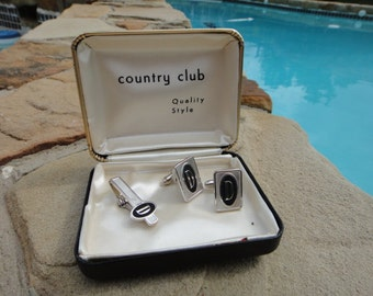 vintage cufflinks set vtg cuff link s and tie clip set in original box collectible or wear initial D estate jewelry