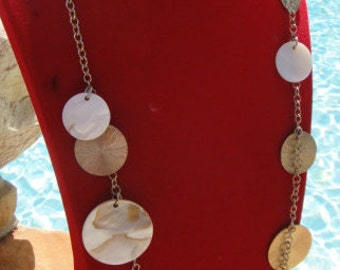 vintage chain mother of pearl dish shell necklace ,go go style disk dangle necklace jewellry,