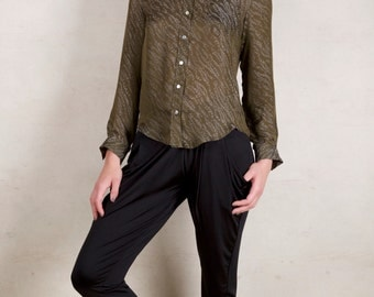 Shirt in pure silk, khaki with grey patterns