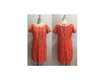 1960s Red Orange Linen Short Sleeve Dress with Chain Print