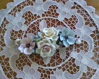 Capodimonte flowers/flower arrangement/Vintage Capodimonte figurine