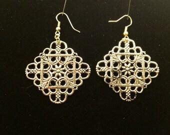 Antique Gold Diamond Shaped Filigree Earrings