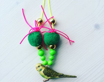 Necklace with Budgie in green / necklace with green Budgerigar