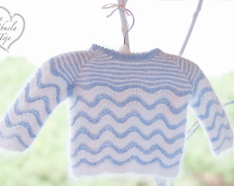 In pure Virgin wool and angora Jersey