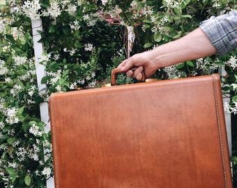 Midcentury samsonite suitcase