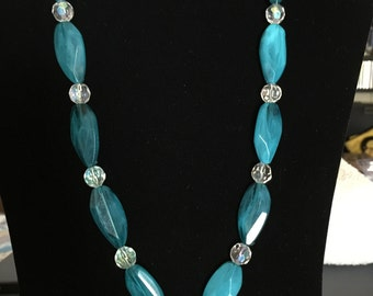 Aquamarine Pendant Beaded Necklace