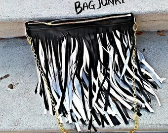 Black/White Verge Fringe Clutch